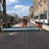 укладка геоткани для строительства дорог
